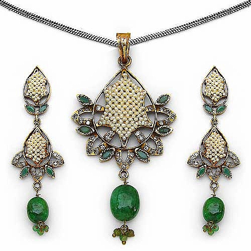 19.80 Grams Emerald, American Diamond & White Synthetic Pear